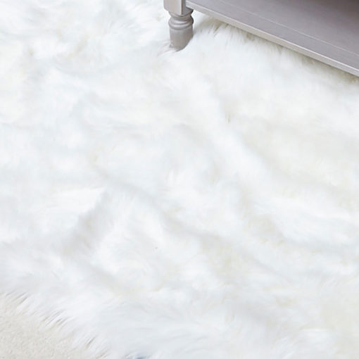 White Faux Fur Rug (160x230)